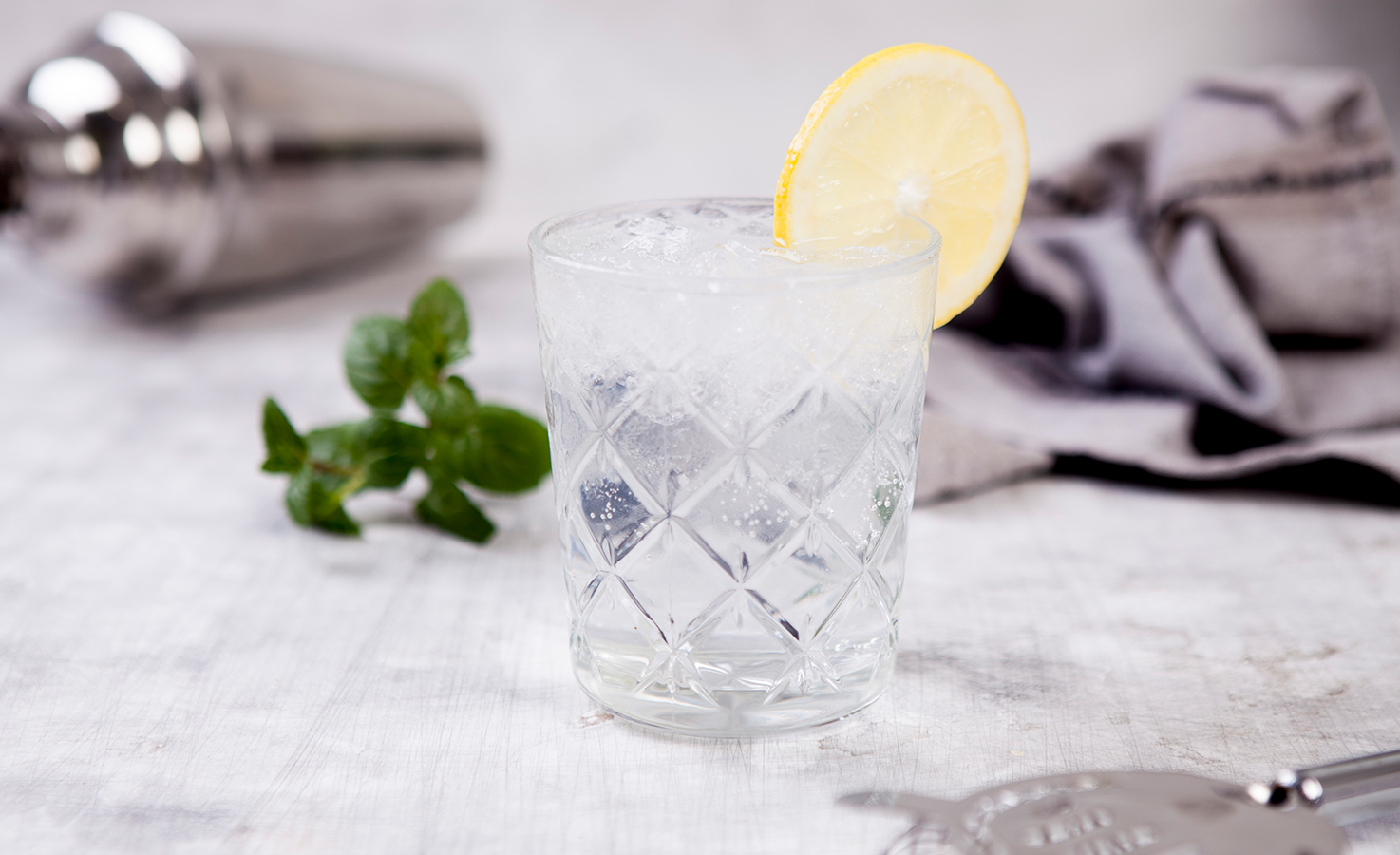 016_Bavarian-Pure-Next-Level-Gin-Gin-TonicECUZxYl3zIpwS