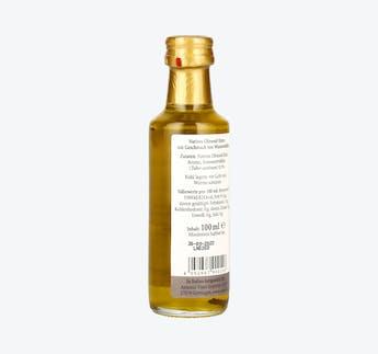 Olivenöl mit schwarzen Trüffeln