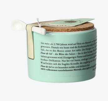 "Salz ""Fleur de Sel"" im Keramiktopf mit Dosierlöffel"