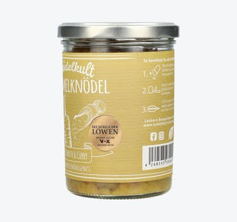Semmelknödel mit Karotte, Walnüssen und Curry