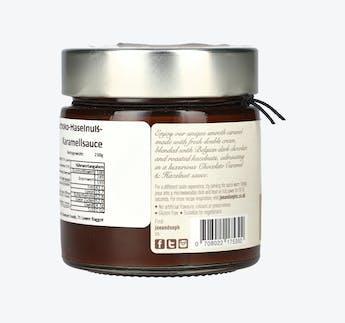 Karamellcreme mit Schokolade und Haselnüssen