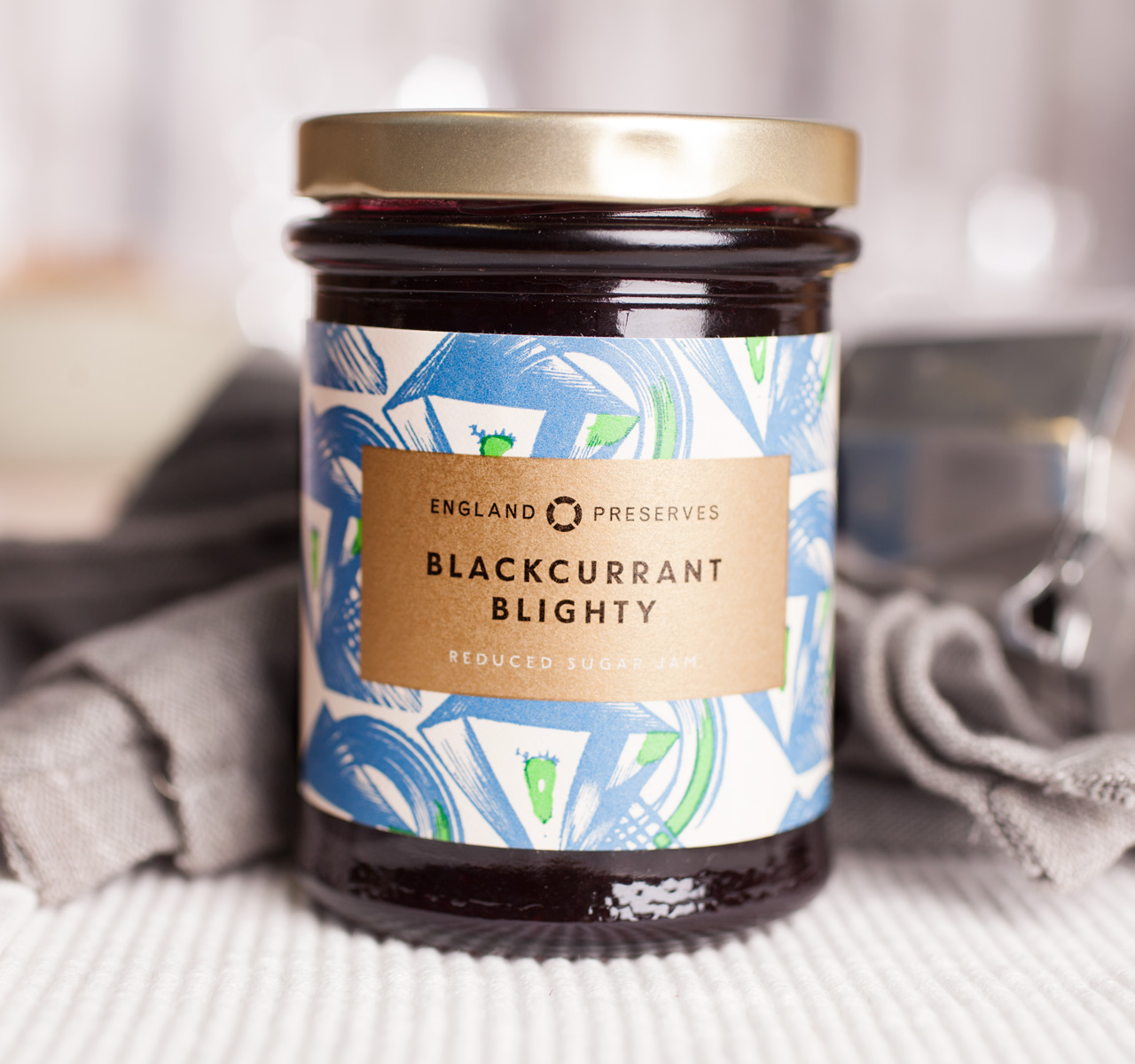 schwarze johannisbeermarmelade blackcurrant blighty von england preserves kaufen foodist. Black Bedroom Furniture Sets. Home Design Ideas