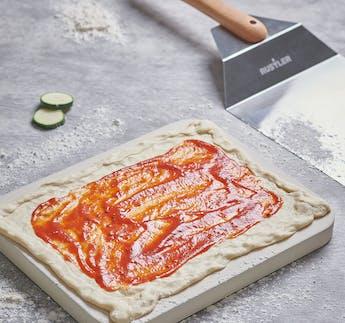 Pizzastein 38x30x3cm + Pizzaschieber eckig aus Edelstahl/Holz
